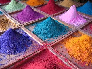 Yellow, green and purple… Where do shades of mineral cosmetics come from?