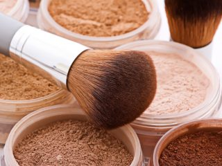 Are mineral and medicinal make-up equal?