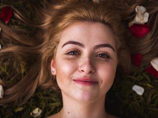 I Test & Choose the Best Serum for Face Redness & Broken Capillaries